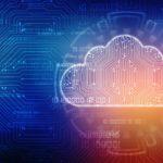Clouddarstellung mit Binärcode und angedeuteter Leiterplatte